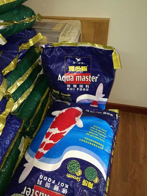 Thức ăn cho Koi Aqua master
